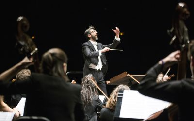 Montaño conducts the Symphony Orchestra of the High Performance Advanced School Of Music